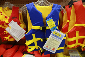 outdoorgear-lifevest
